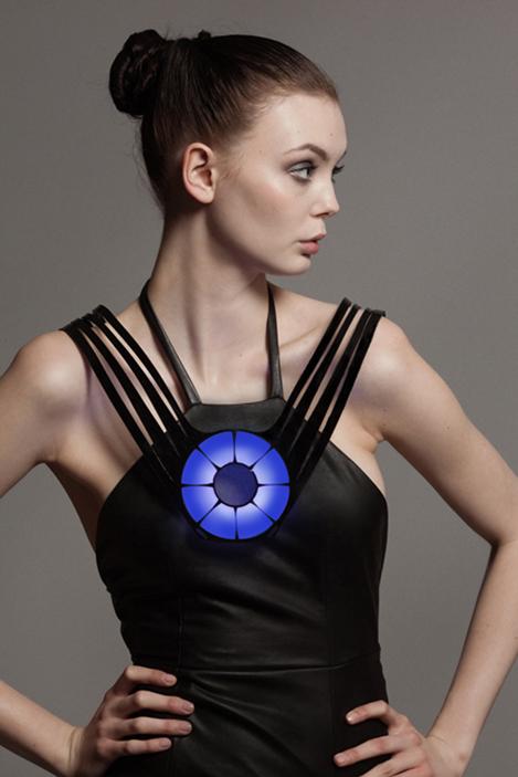 Monitor Dress Lina Wassong